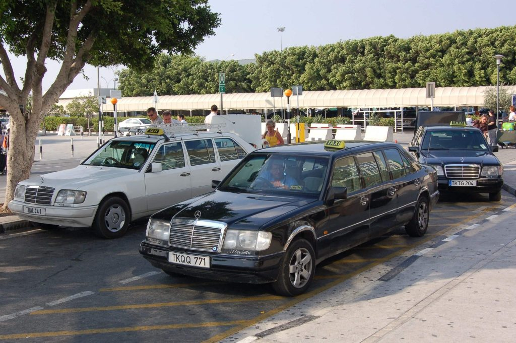 larnaca-airport-taxis-2