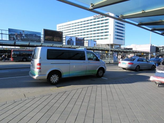 Amsterdam airport minivan taxi