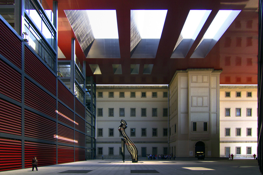 reina sofia museum outside
