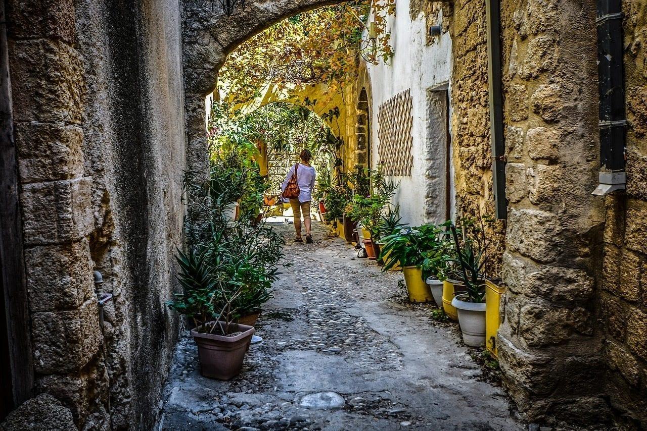 solo female travel lebanon