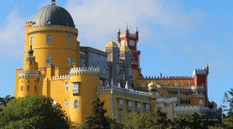 sites within an hour of lisbon portugal
