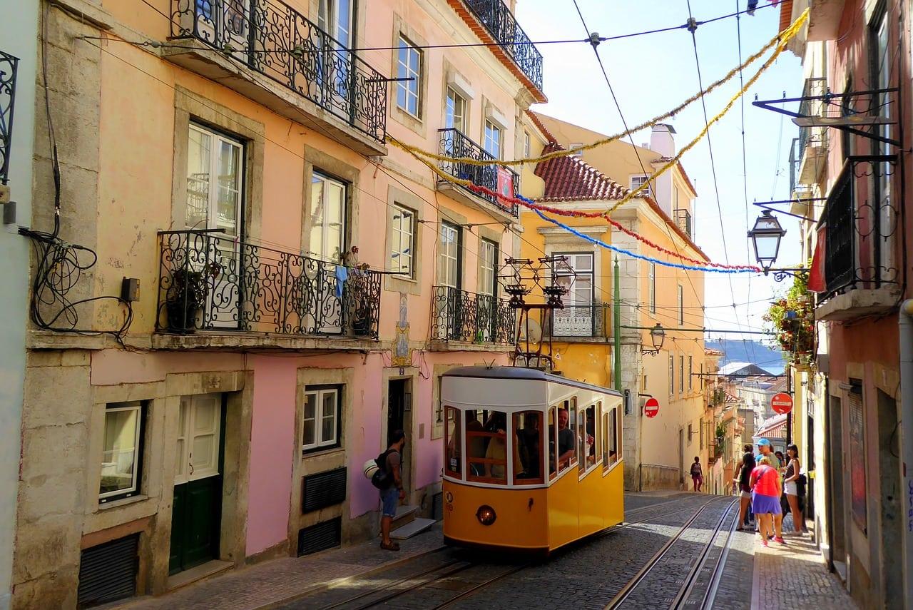 ride the tram in lisbon
