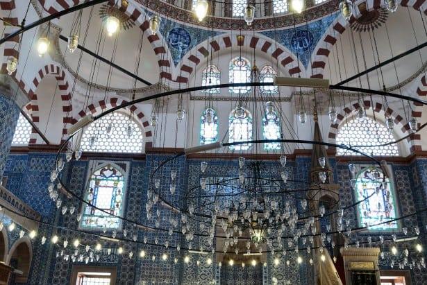 inside the istanbul Rüstem Pasha mosque