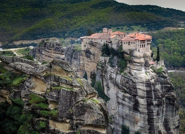 meteora-monasteries-welcome