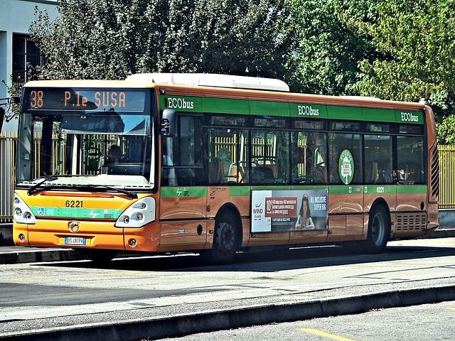 bus-milan